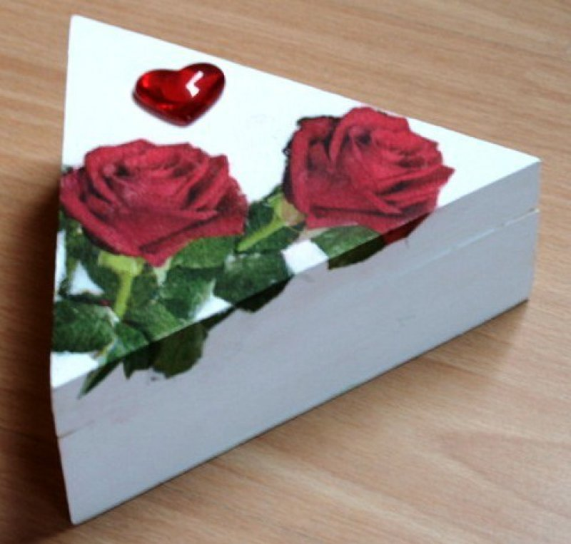 nice wooden box roses