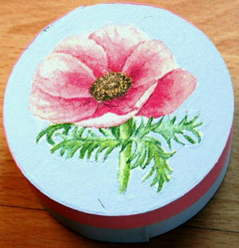 beautiful wooden gift box anemone