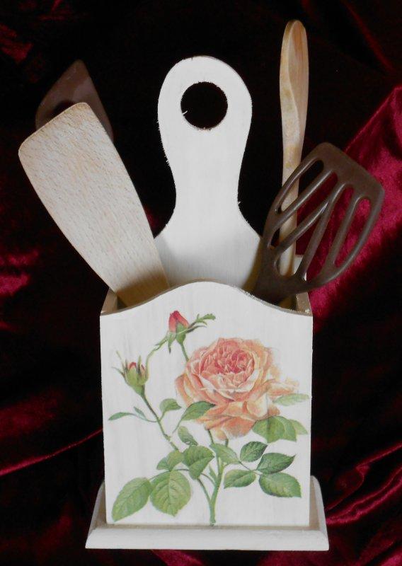 elegant wooden spoon holder romantic roses