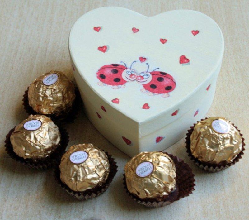 nice papermache heart box ladybeetle