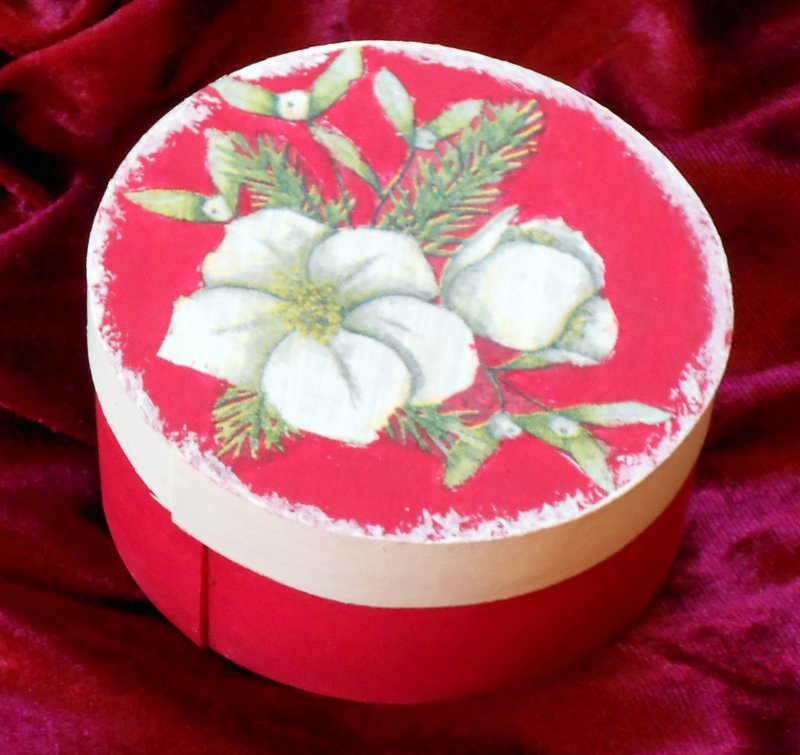 nice wooden gift box Christmas rose