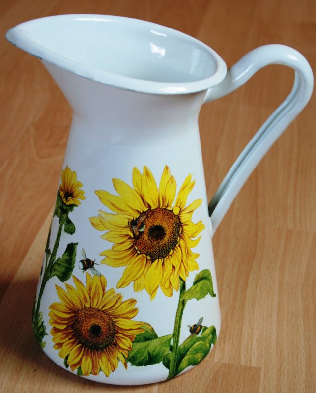 romantic emaille vase great sunflowers