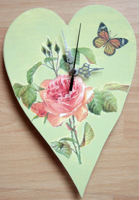 romantic heart wallclock rose