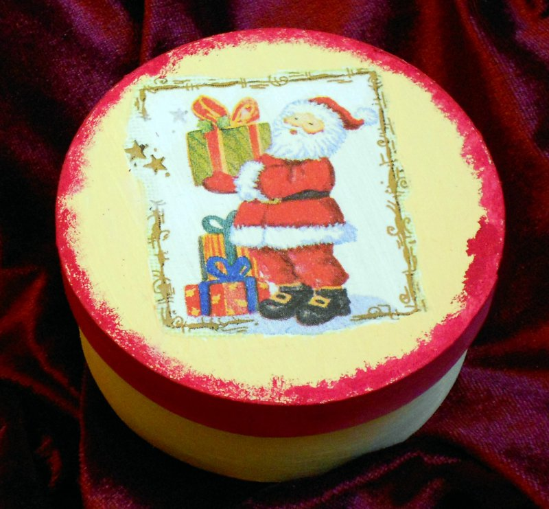 gorgeous christmas gift box santa clause with gift