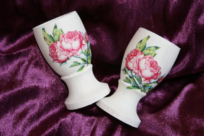romantic egg cup roses