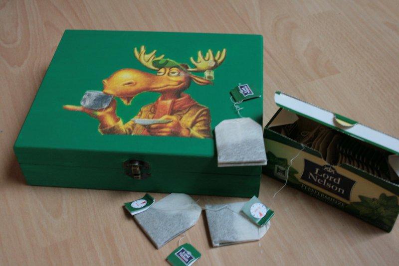 very funny tea bag box moose drinking tea