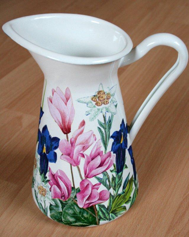 wonderful emaille mug alpine flowers