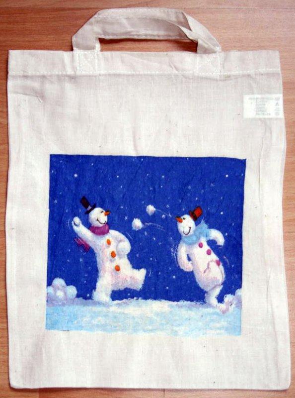 funny winterbag snowman having fun!