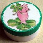 romantische Geschenkdose Glücksschwein mit Kleeblatt