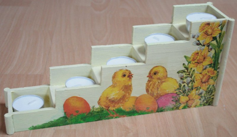 beautiful easter tealight stairs biddy with daffodils and eggs