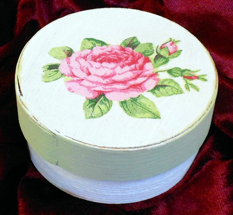 nice wooden gift box romantic rose