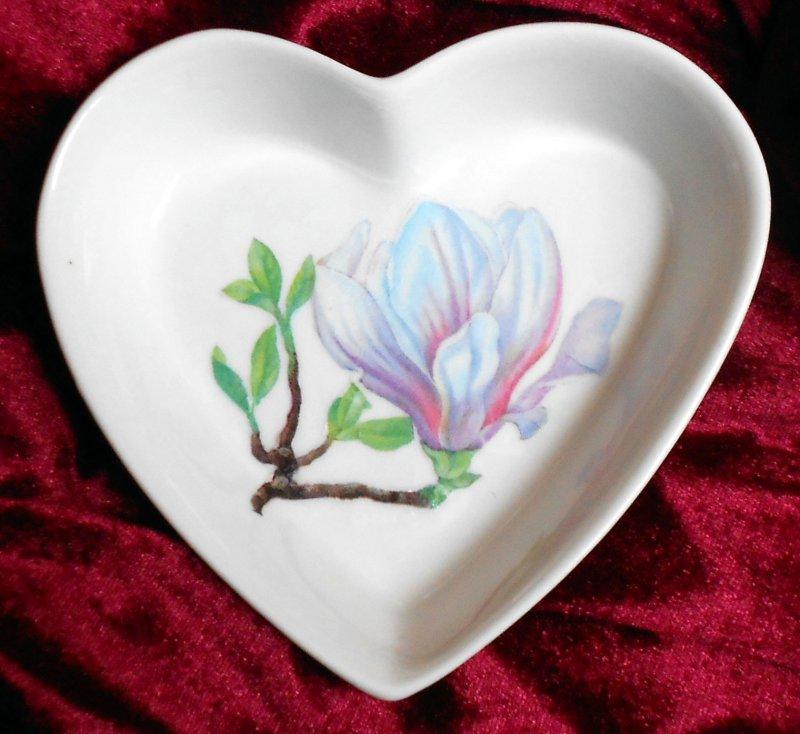 cute heart porcellain dish wonderful magnolia