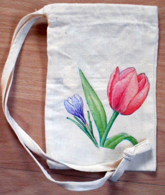 cute little floral sac tulip