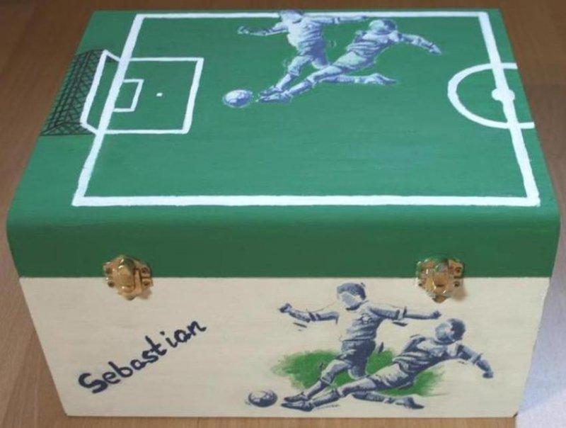 coole Fußball Spielzeugkiste (Wunschname möglich)