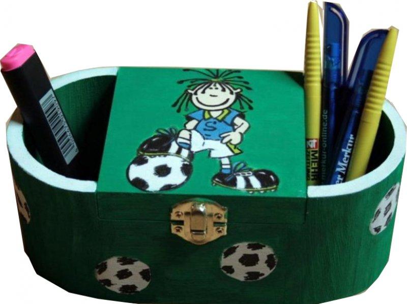 verspielte Utensilo Box kleiner Fussballstar