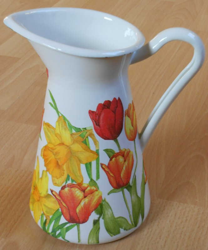 wonderful emaille mug daffodils and tulips