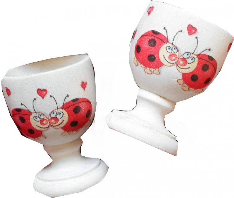 Paar wunderschön romantische Eierbecher verliebte Marienkäfer