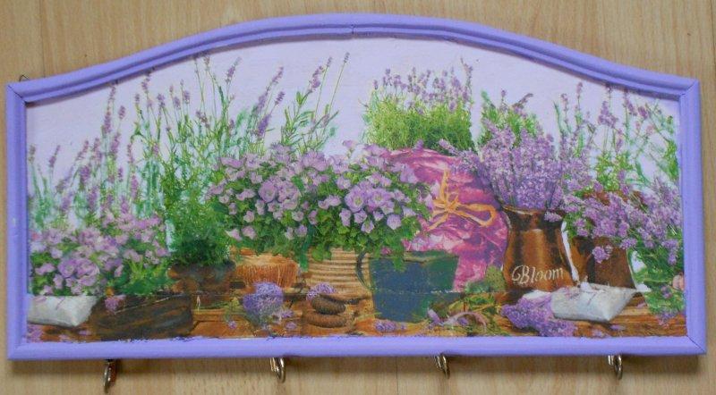 hübsches Schlüsselbrett Lavendel und Glockenblumen