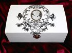 beautiful gift box romantic cameo