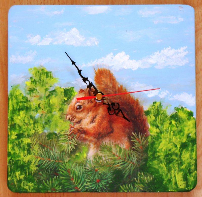 Niedliche Tiermotiv Wanduhr Eichhörnchen