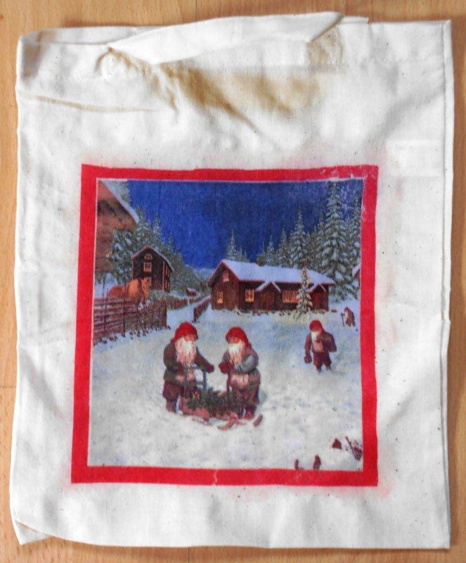 niedliche Schweden Motiv Baumwolltasche Nisser am Lagerfeuer