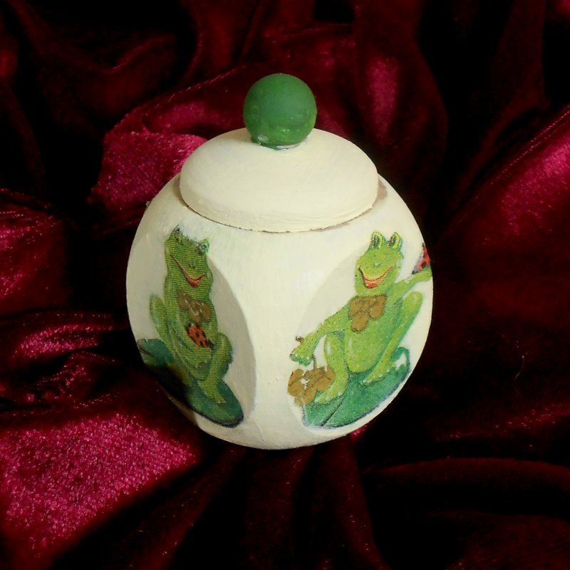 cute little deciduous tooth box funny frogs