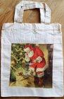 herrlich stimmungsvolle Weihnachtstasche Weihnachtsmann inspiziert Weihnachtsgeschenke